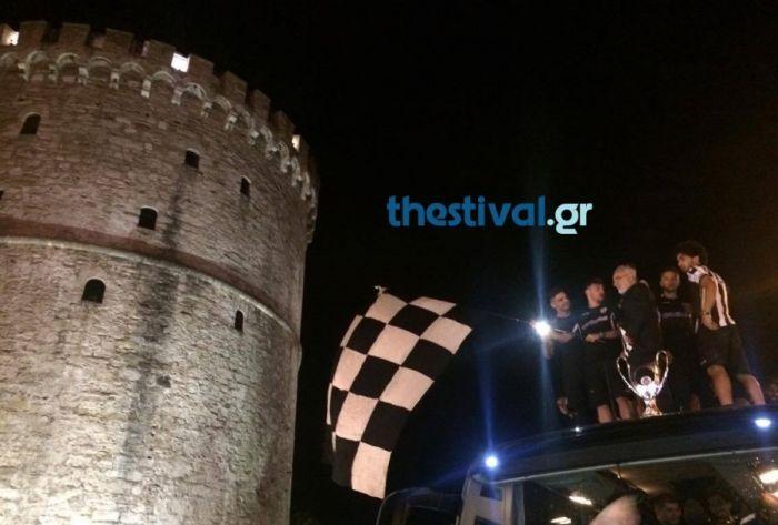 Κύπελλο Ελλάδος- Ιβάν Σαββίδης  Ανέβηκε στην οροφή του λεωφορείου ... 4c855d12de2
