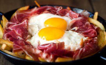 πατάτες-με-αυγά-και-ζαμπόν